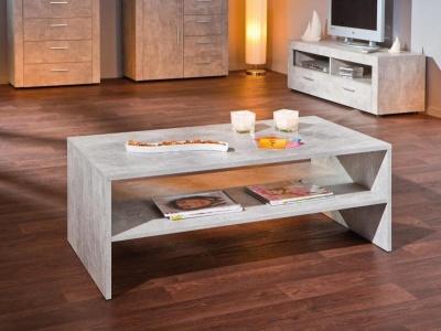 Konferenční stolek v imitaci betonu.