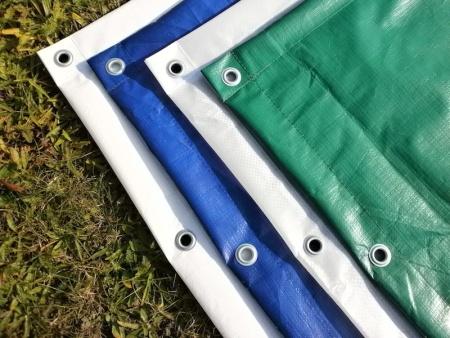 barevné plachty